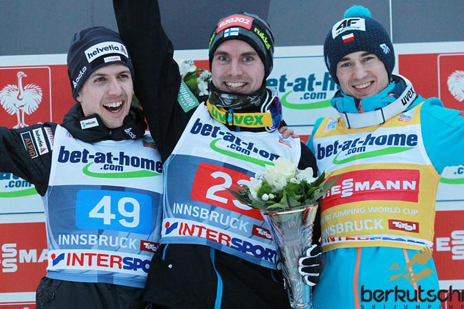 Top 3 am Bergisel nach nur einem Durchgang: Simon Ammann, Anssi Koivuranta, Kamil Stoch