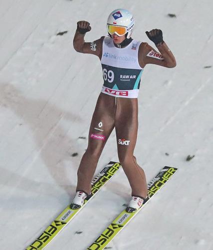 Kamil Stoch gewinnt die Qualifikation