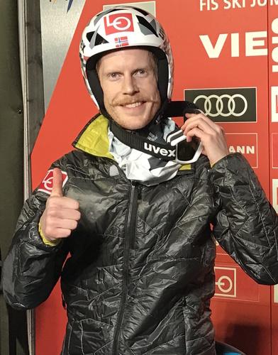 Роберт Йоханссон побеждает в квалификации в Планице