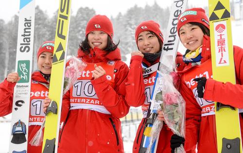 Японки выиграли первый командный старт КМ