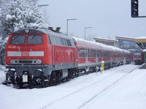 Mit Bahn und Bus zum Skispringen nach Oberstdorf