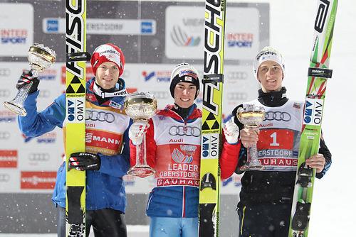 Österreichischer Doppelsieg beim Tourneeauftakt