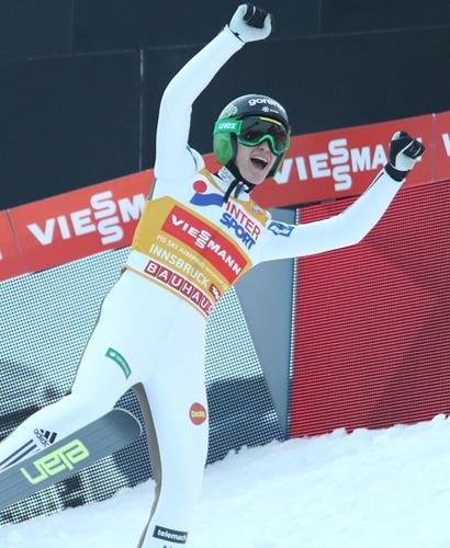 Peter Prevc gewinnt auch in Innsbruck
