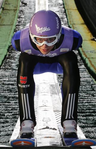 Comeback im Skispringen: Milka wird Hauptsponsor der Vierschanzentournee