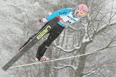 Weitere Springerinnen klagen für Start bei Olympia 2010