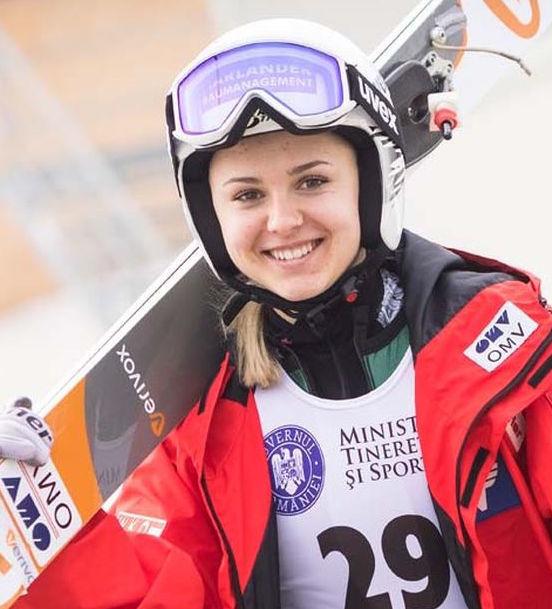 Skispringen Berkutschi.com - Chiara Hölzl mit weitestem