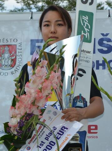 高梨沙羅、グランプリ3勝目!