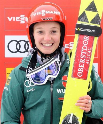 Quali-Sieg in Premanon an Katharina Althaus
