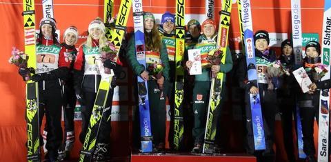 Deutsche Skispringerinnen gewinnen spannendes Teamspringen
