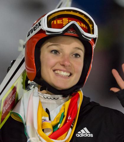 Katharina Althaus gewinnt Quali in Ljubno