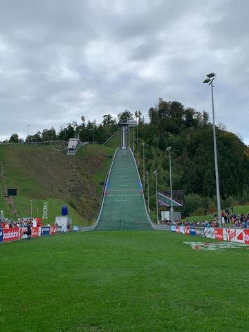 Kvalifikaci v Hinzenbachu zvládli tři Češi. Štursa diskvalifikován