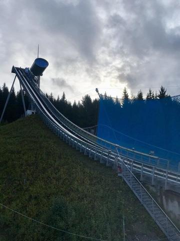 Sakala v Klingenthalu na bodech. Holíkovi závod nevyšel