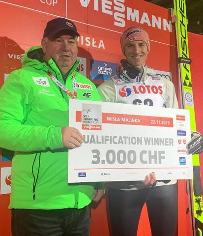 Karl Geiger startet die Saison mit Quali-Sieg