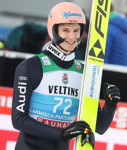 Karl Geiger gewinnt die Qualifikation in Garmisch-Partenkirchen