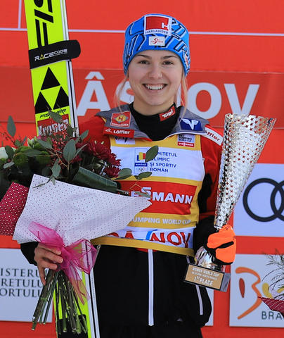 Skisprung-Weltcup Damen: Immer wieder Österreich