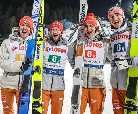 Deutsche springen zu klarem Team-Sieg in Zakopane