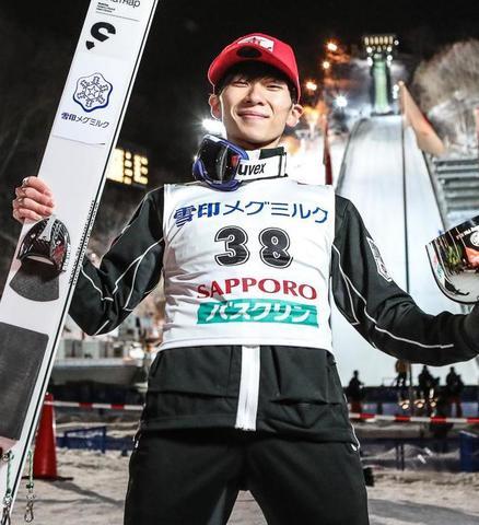 Yukija Sato wygrywa w Sapporo