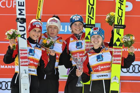 Skisprung-Weltcup: Favoritensieg für Österreichs Skispringerinnen