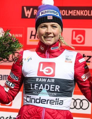 Maren Lundby gewinnt RAW AIR Auftakt souverän
