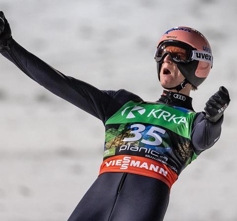 Karl Geiger führt nach Tag 1 in Planica